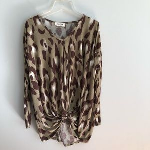 Tops - Leopard print top with front twist
